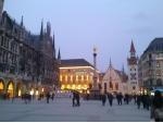 Mnichov - Marienplatz a nová radnice